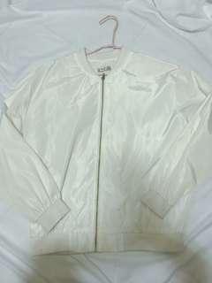 🚚 白色防風外套