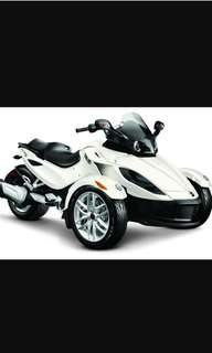 2011 White Can am Spyder RS
