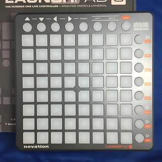 Novation Launchpad S 64-buttons