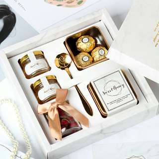 Luxury Ferrero Rocher Marble Design Wedding Favors / Corporate Gifts / Giveaway Presents / Bridal Showers / Customized Gifts / Invitational Box Sets / Birthday Parties