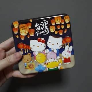 FREE Collect 730413 / Post $0.70 - hellokitty box