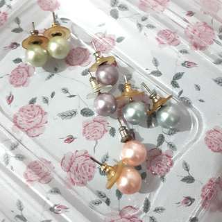 Pearl Earrings (4 pairs)