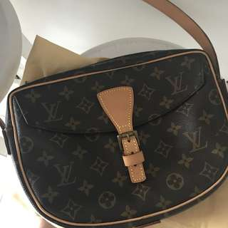AUTHENTIC LV JUENE FILE MM