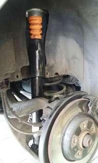Audi Q5 2010 rear absorber