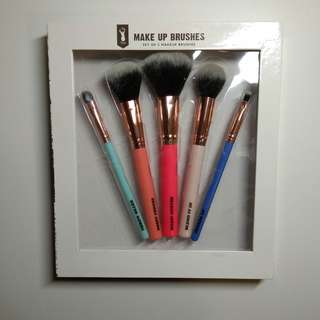 ❤ 5 HQMake Up Brushes only for $20!