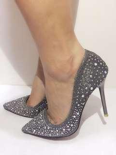 🚚 滿版閃亮水鑽質感高跟尖頭鞋