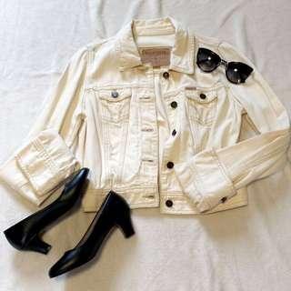 Hollister White Denim Jacket (New w/o Tags)