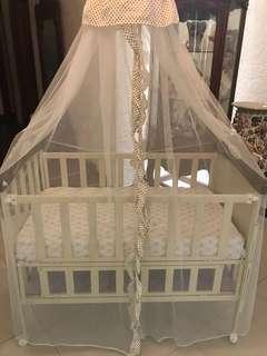 Apruva metal crib