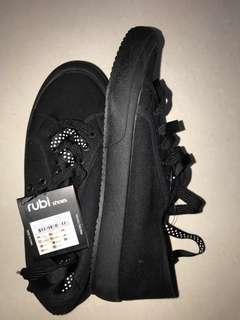 rubi allblack sneakers