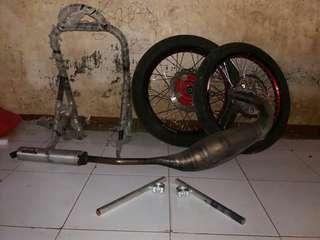 1 set velg, ban untuk motor ninja
