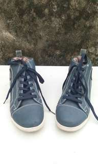 B.U.M boys shoes
