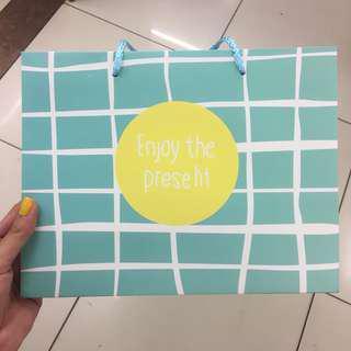 Aesthetic tosca paperbag medium