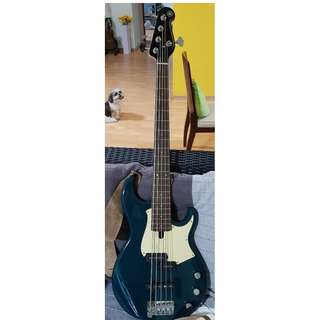 FS: Yamaha BB435 5-string bass guitar (less than 6 months old)