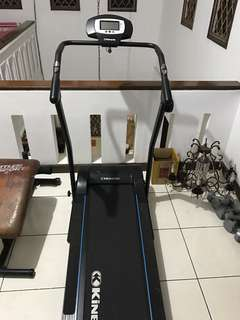 Tread mill merk kinetic