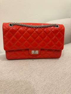 Authentic Chanel 2.55 reissue red quilted patent leather Classic medium flap bag