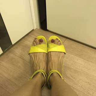 Hermes fluorescent yellow sandals 黃色涼鞋