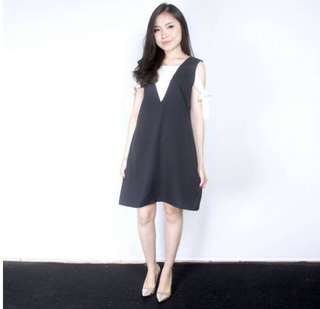 bella tied dress hitam putih
