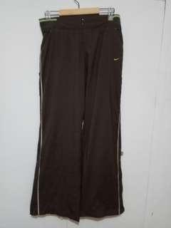 Nike jogging pants. Polyester