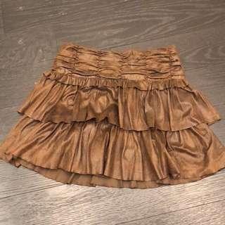 🚚 班尼頓童裝 仿漆皮咖啡色裙子