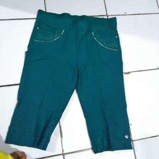 Celana pendek hijau tosca fit to XL