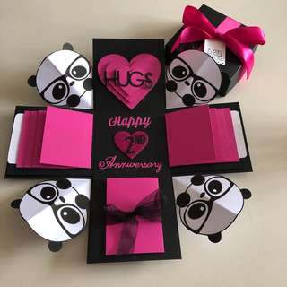 Panda explosion box with 8 waterfall, pull tab in black and hot pink