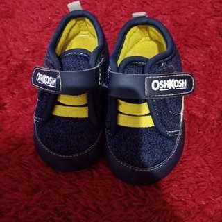 Sepatu anak laki laki oshkosh