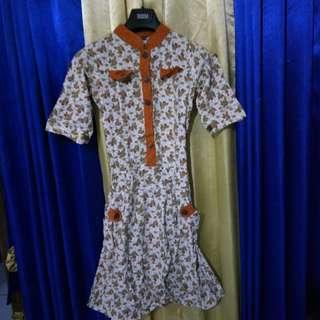 Dress bunga putih-orange