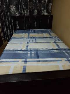 Wooden bed frame semi double
