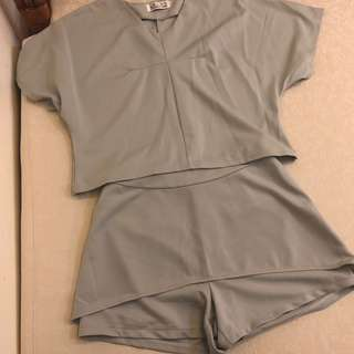 🚚 小資女孩👧蒂芬妮綠兩件式休閒套裝#女裝半價拉