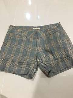 Plaid shortpants celana kotak
