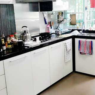 Yishun Rare Em 5 mins walk to Mrt !! Renovated