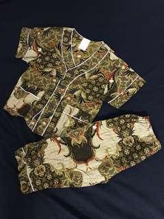 Baju Batik Budak