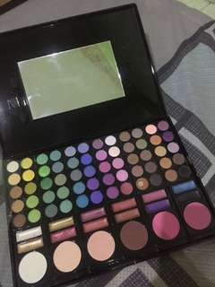 eyeshadow pallete