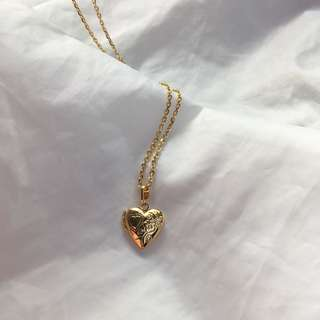 BRAND NEW Gold plated Stainless Locket Necklace