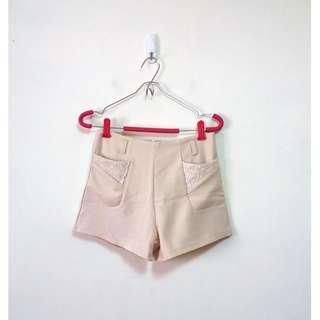 質感雕花蕾絲西裝短褲