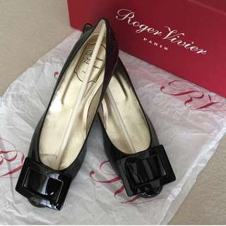 ✨New Roger Vivier RV shoes / Size 36✨