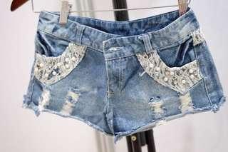 Pearl hot pants