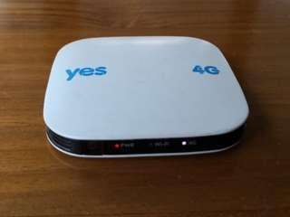 YES Huddle XS ( MiFi / Pocket WiFi )