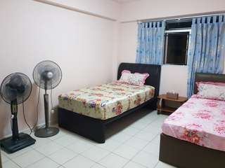 Cheap room for rent!!!