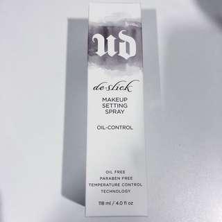 🚚 Urban Decay De-Slick MakeUp Setting Spray