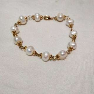 Aunthentic fresh water pearl Bracelet