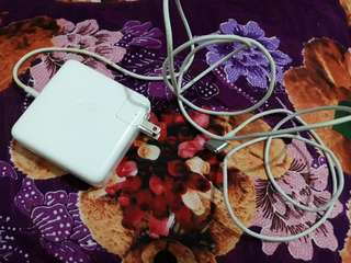 Macbook Charger (Original)
