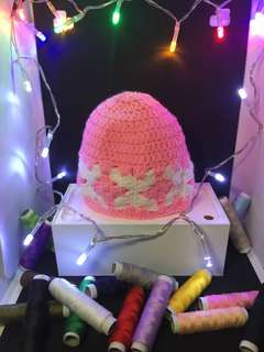 Small pink beanies/ hats for babies (handmade/ knitted)