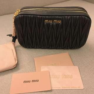 Miu Miu Black Cross Body 斜揹袋