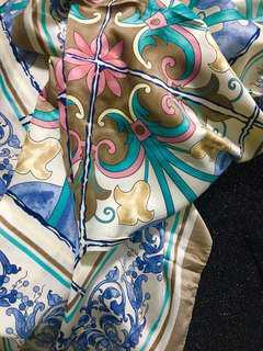 Square shawl hijab