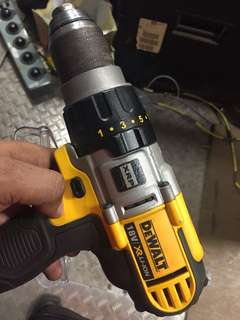 HANDYMAN SERVICES IN SG (cheap, good & quality) No cash use paylah