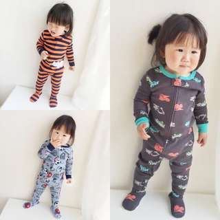 Sleepwear with zipper cover feet - pre-order