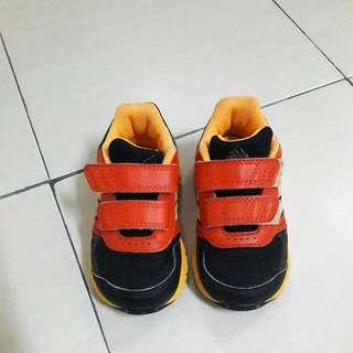 kasut adidas budak