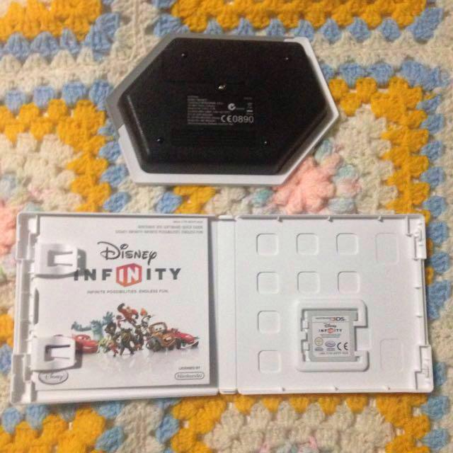 3DS Disney Infinity Game and Stand