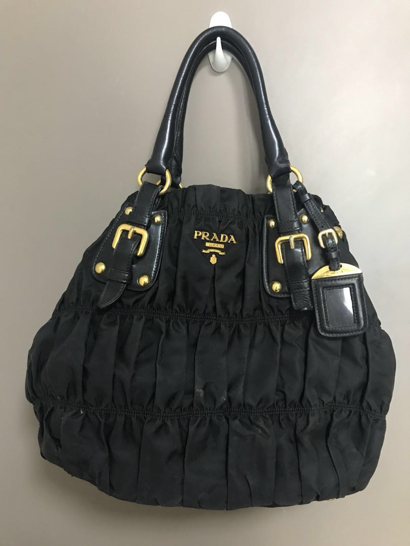 bd3e065c416f Authentic Preloved Prada Tessuto Gaufre handbag, Women's Fashion ...